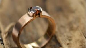 rose gouden ring met roodbruine diamant