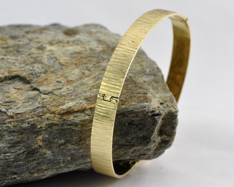 gouden armband Timber van geruwd goud, handgemaakt door LYAM edelsmeden