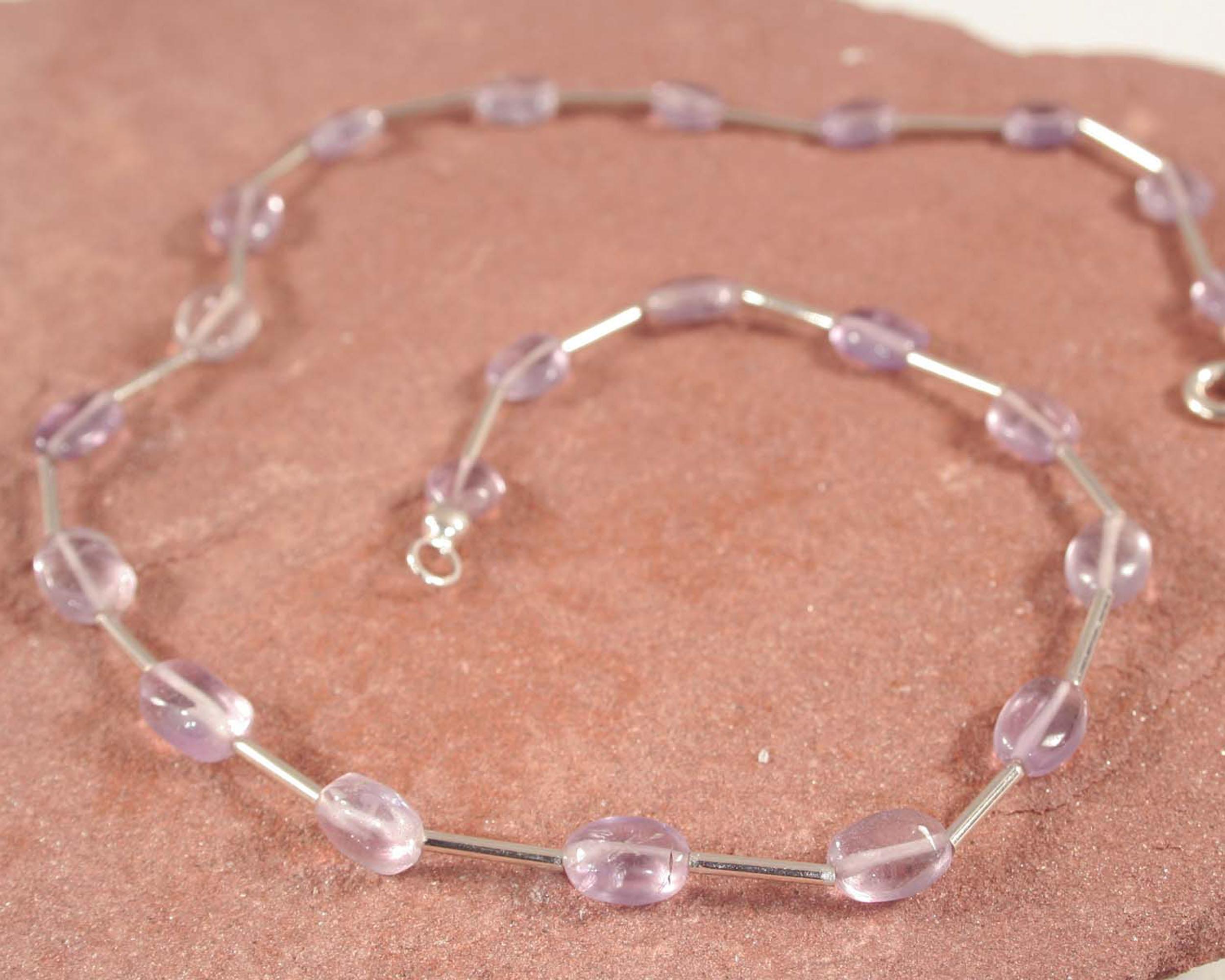 Ketting amethist en zilver: lila amethisten g met zilver, handgemaakt.