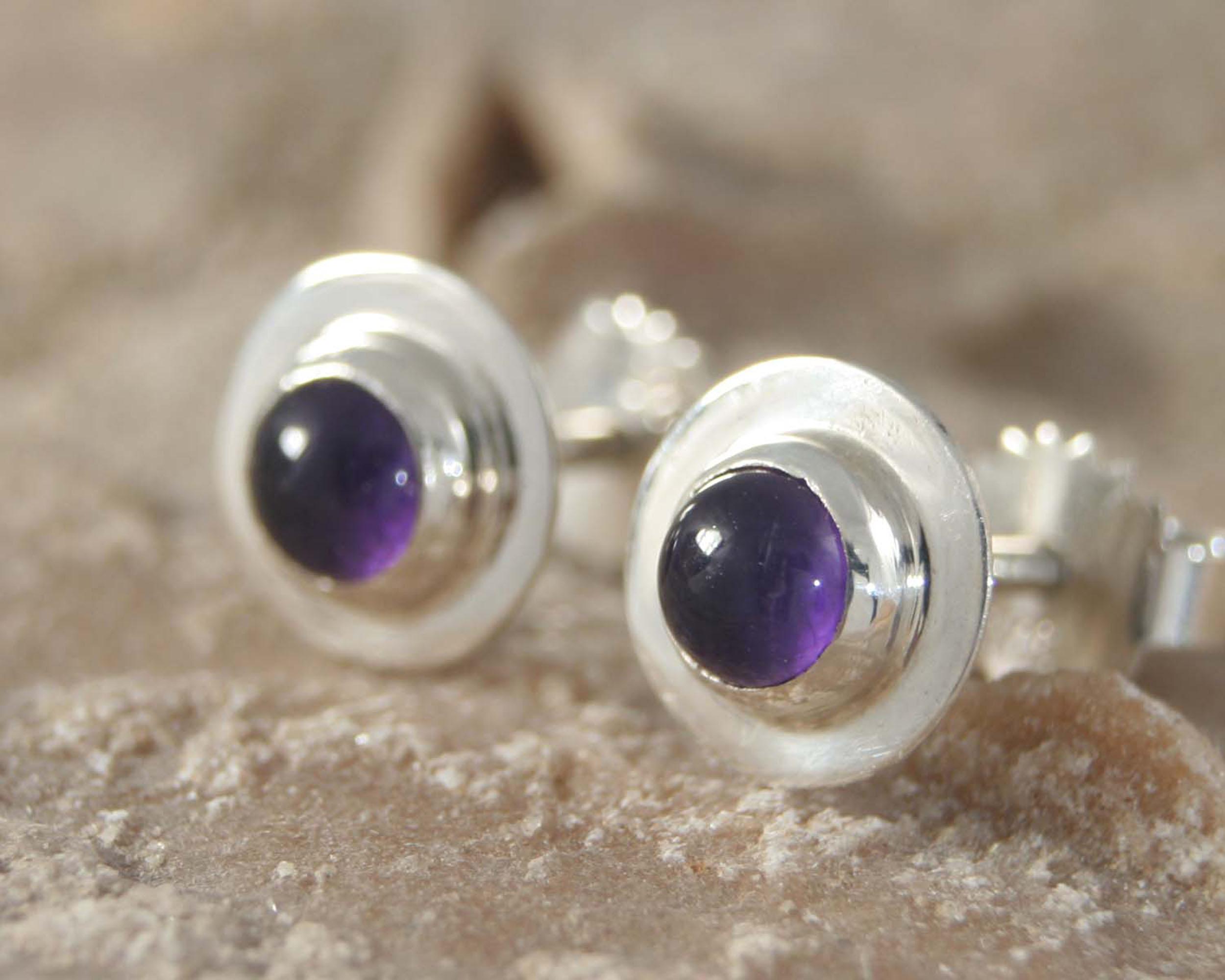 Oorbellen Amethist en zilver: paarse amethisten, handgemaakte oorstekers zilveren