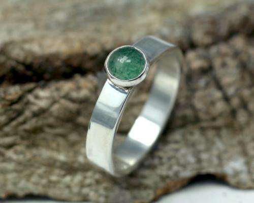 Ring Aventurijn en zilver Basic vormgegeven ontwerp groene edelsteen handgemaakte ringen LYAM edelsmeden edelsmid