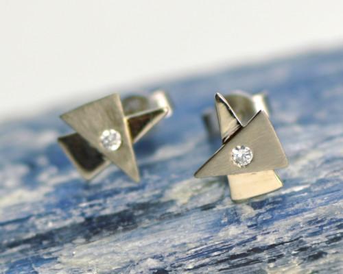Oorbellen witgoud diamant, oorstekers handgemaakt en uniek