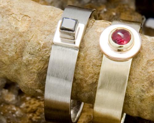 Ring witgoud en zwarte diamant, trouwring, relatiering, herenring