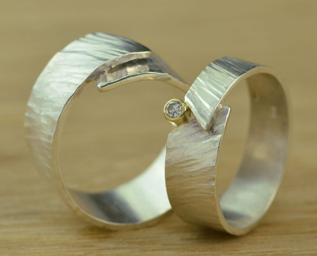ring zilver met diamant Timber trouwring symbool omhelzing