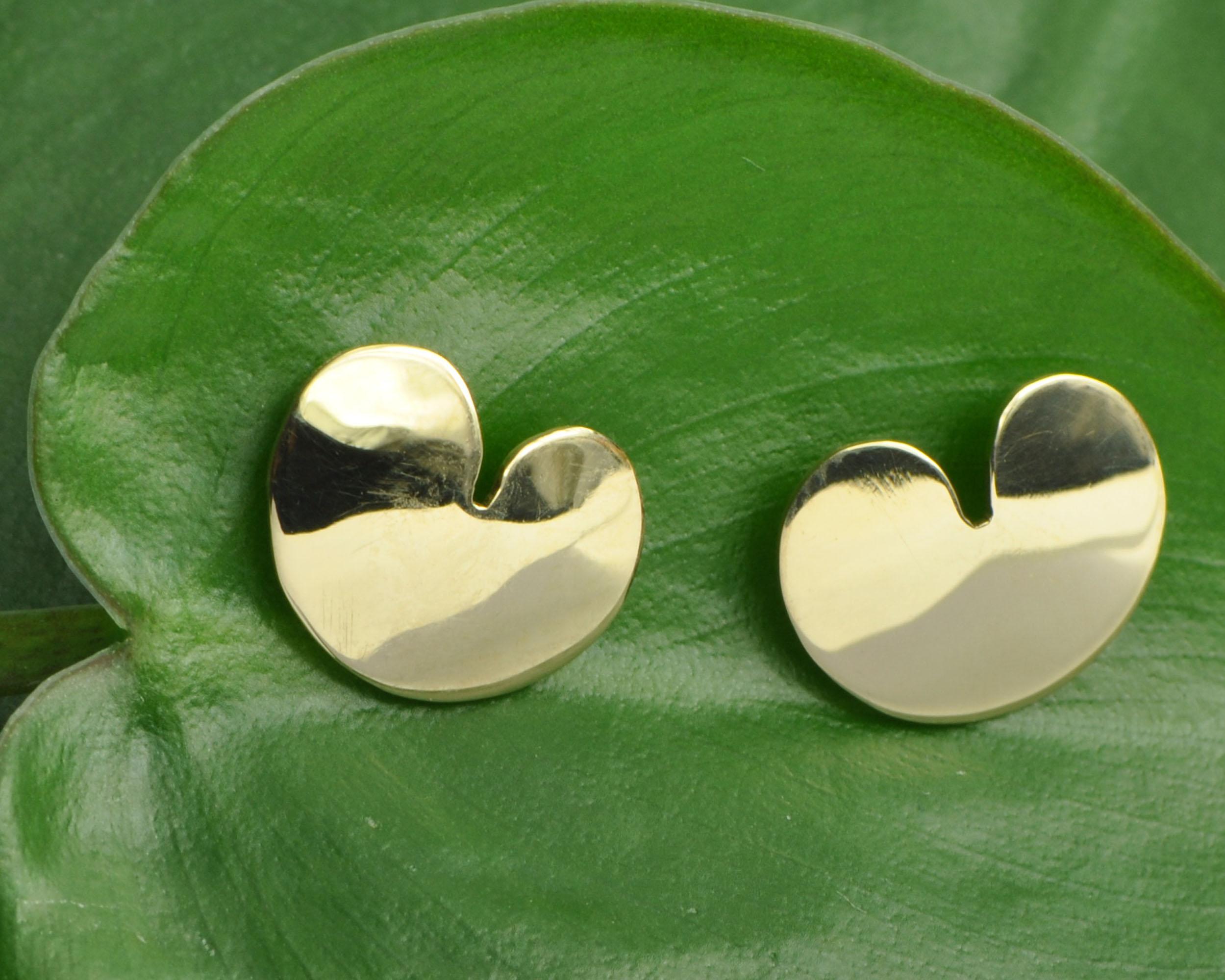 Gouden oorknoppen Pompebledsje pompeblaadje oorstekers