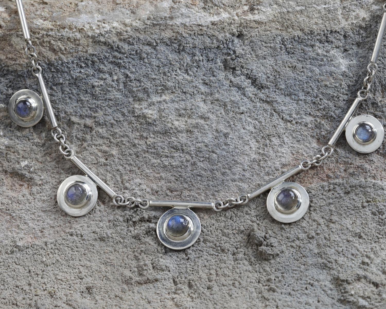 zilveren ketting met labradorieten, handgemaakt door LYAM edelsmeden