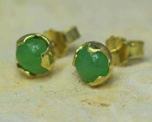 oorbellen oorstekers oorknoppen goud jade groen