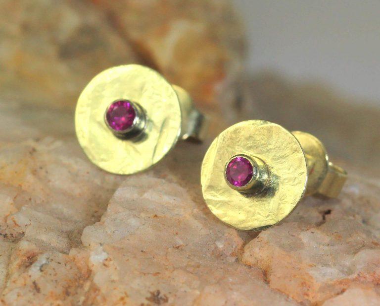 oorbellen robijn en goud
