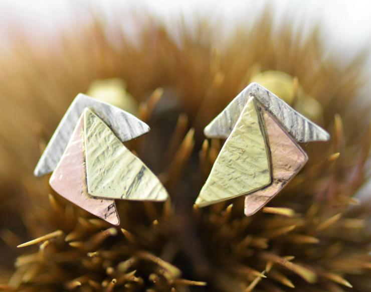 oorbellen oorstekers goud witgoud geelgoud roodgoud handgemaakt LYAM edelsmeden