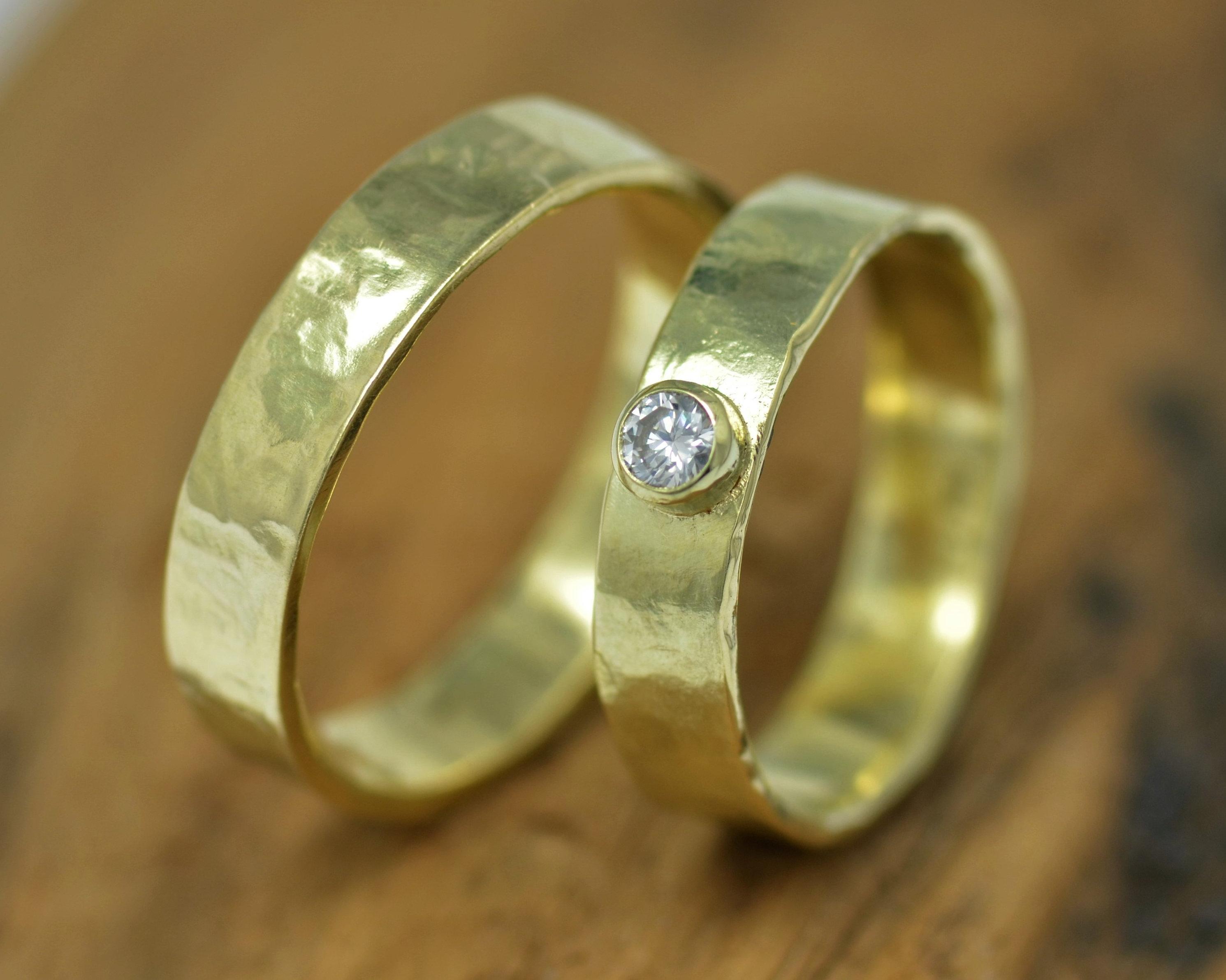 Nieuw sieraad uit oud goud, veranderen en vermaken van geërfde sieraden herinneringssieraden