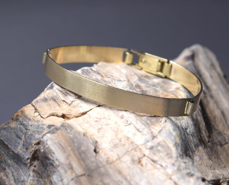 Gerecycled gouden armband strakke vormgeving mat afgewerkt met schakels edelsmid LYAM edelsmeden